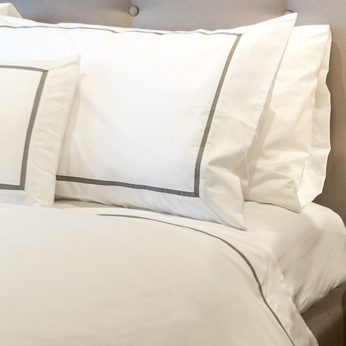 Inserted Grosgrain Double Duvet Cover
