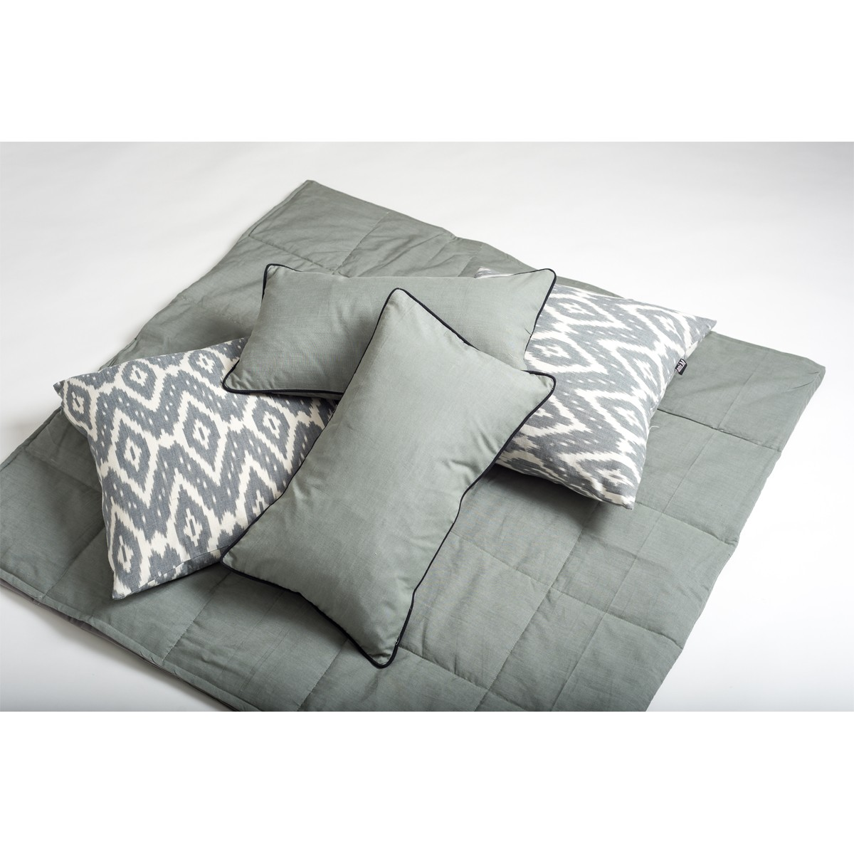 Mist - Grey padded panel throw with box stitch detail - Single